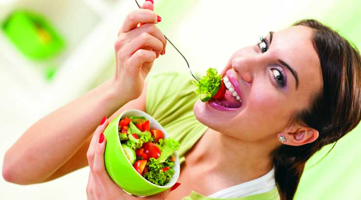 You can control your calorie intake by going in for salads in between your meals