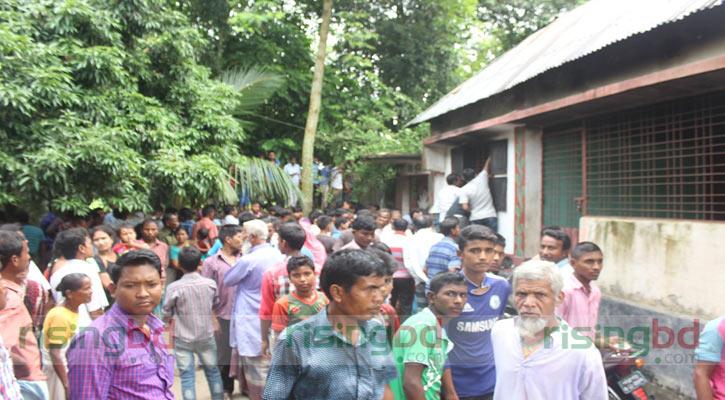Fire kills 5 of a family in Thakurgaon