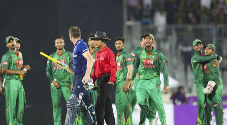 A scene of the incident during Bangladesh vs England 2nd match