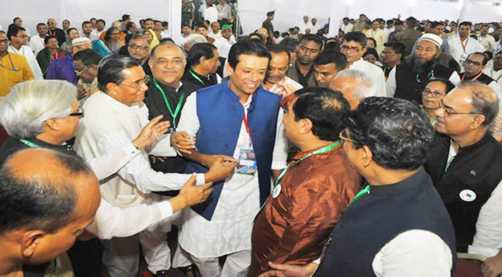 Sajib Wajed Joy in conversation with AL leaders in the 20th national council at Suhrawardi Udyan in the city.