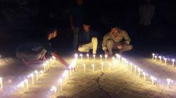 রাবি শিক্ষার্থী লিপু হত্যা : বিচার দাবিতে প্রদীপ প্রজ্বালন