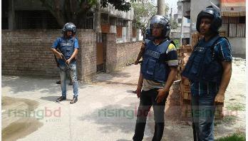 'Block raid' still underway in Rajshahi