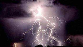 Lightning kills 2 in Jessore
