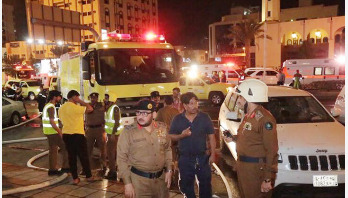 Fire breaks out in 15-story Makkah hotel