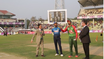 Sri Lanka set 211-run target for Bangladesh