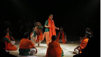 ভারত সফরে মণিপুরি থিয়েটার