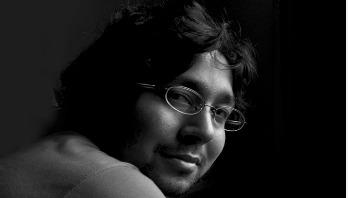 শিল্পীকে স্বাধীন মতো আঁকতে দিন: মোস্তাফিজ কারিগর
