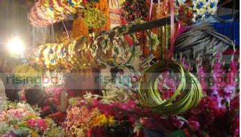 ভালোবাসা দিবসে কোটি টাকার ফুল-বাণিজ্য
