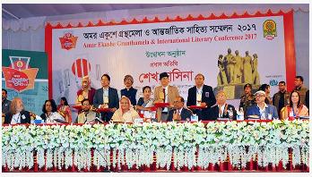 7 writers receive Bangla Academy awards
