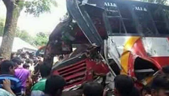 2 killed as bus hits tree in Comilla