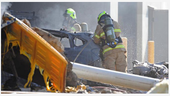 5 killed as plane crashes into mall in Australia