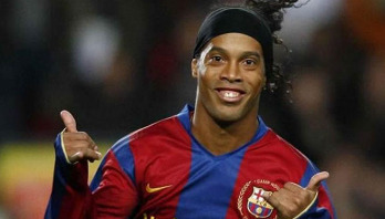 Ronaldinho to play for Barca against Real