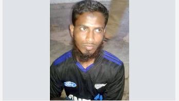 Crude bombs hurled at prison van carrying Mufti Hannan