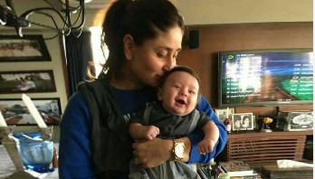 Kareena's candid picture with son goes viral