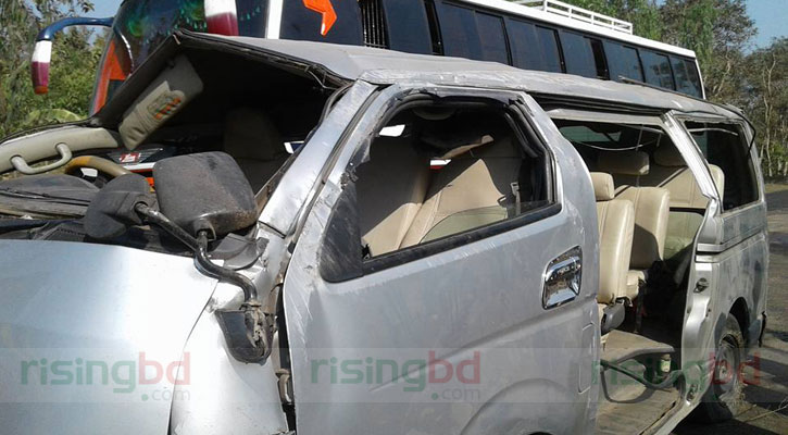 4 killed as microbus plunges in Chakaria