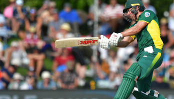 de Villiers becomes fastest to 9000 ODI runs