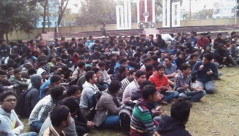 RUET students go on strike against credit system