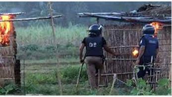 হাইকোর্টে প্রতিবেদন: সাঁওতাল পল্লীতে অগ্নিসংযোগে কিছু পুলিশ জড়িত