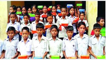৩৩ হাজার শিক্ষার্থী বুধবার থেকে টিফিন পাবে