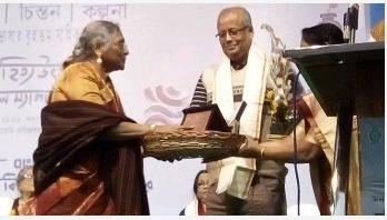 পশ্চিমবঙ্গ বাংলা আকাদেমি পুরস্কার পেলেন যারা