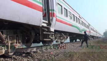5 killed as train rams car in Gazipur