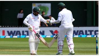 ছবিতে বাংলাদেশ-নিউজিল্যান্ড প্রথম টেস্টের দ্বিতীয় দিন