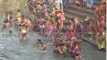গোপালগঞ্জে মহাবারুনীর স্নানোৎসব