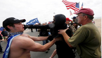 Protesters clash at violent pro-Trump rally in US