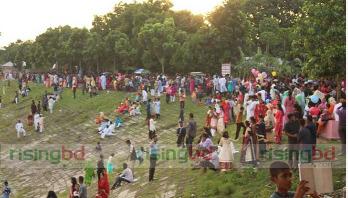 Eid visitors swarm entertainment centers in Kushtia