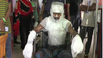 Youth sets himself on fire protesting seizure of his rickshaw
