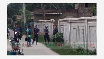Three female militants held in Kushtia