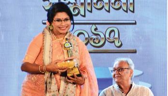 Rezwana Chy receives Banga Bhushan award