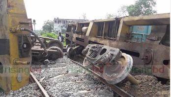 Container train derails in Gazipur