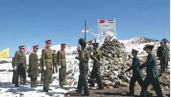 China troops destroy two Indian Army bunkers