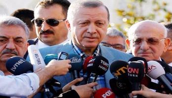 Turkey president Erdogan backs Qatar