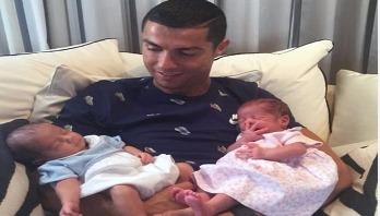 Ronaldo posts photo of his newborn twin children