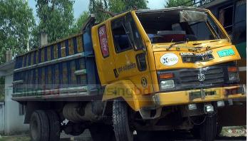 17 killed as truck overturns in Rangpur