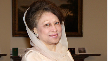 Khaleda Zia returns home