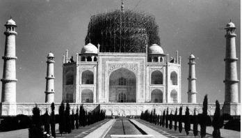 Some secrets of the Taj Mahal