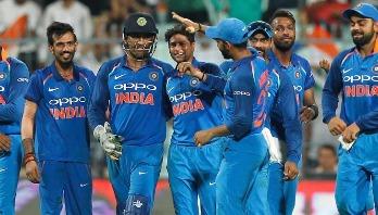 India beat Australia to clinch ODI series