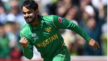 ICC once more declares Hafeez's bowling action legal