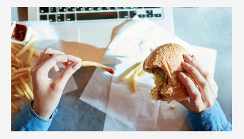 Regular fast food eating linked to fertility issues in women