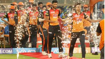 Shakib, Rashid's show propels Hyderabad into final