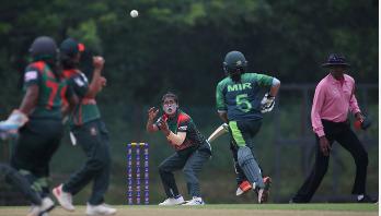 Bangladesh women beat Pakistan