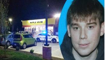 Nude gunman kills four in US