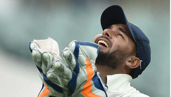 Indian wicketkeeper Pant snares a catching record
