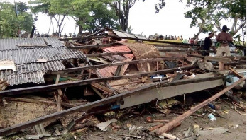 Indonesia tsunami death toll hits 373