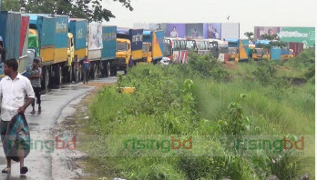 10 km tailback on Dhaka-Chittagong Highway