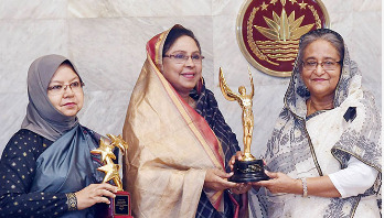 PM receives two UNICEF awards