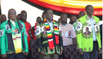 Zimbabwe president narrowly escapes bomb attack